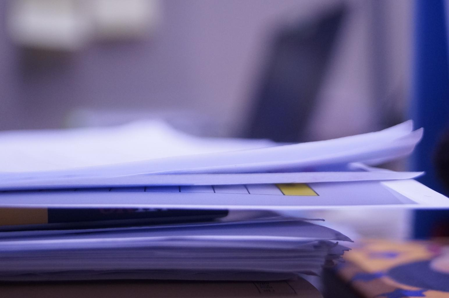 administratíva, papiere