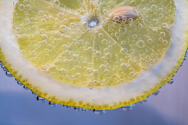 citrón bublinky kôstka.jpg