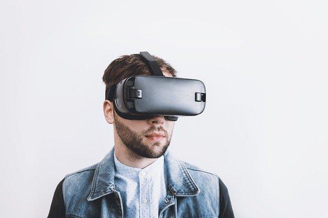 okuliare pre virtuálnu realitu.jpg