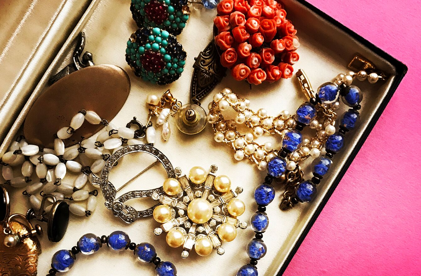 invaluable-vintage-jewelry-hero_preview