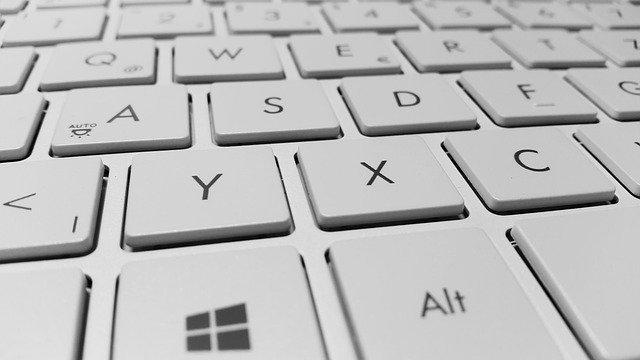 keyboard-g8de9e5d8a_640