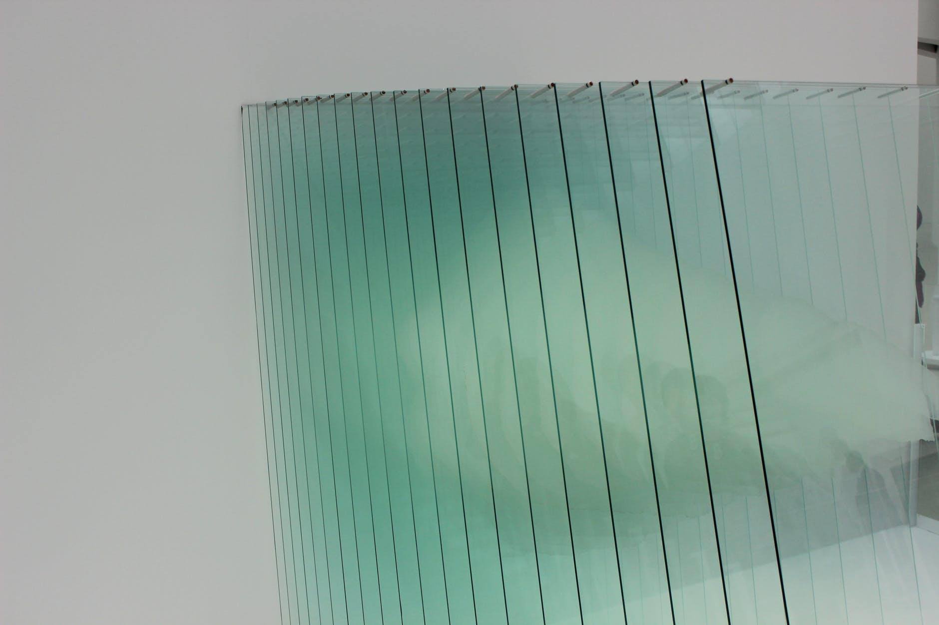 sklo, sklá